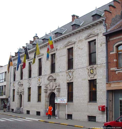Town hall WILLEBROEK picture e
