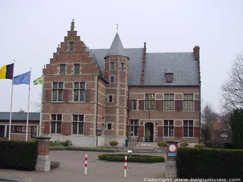 Maison Communale SINT-GILLIS-WAAS photo