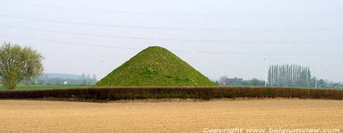 Tumulus du Trou de Billemont ANTOING photo