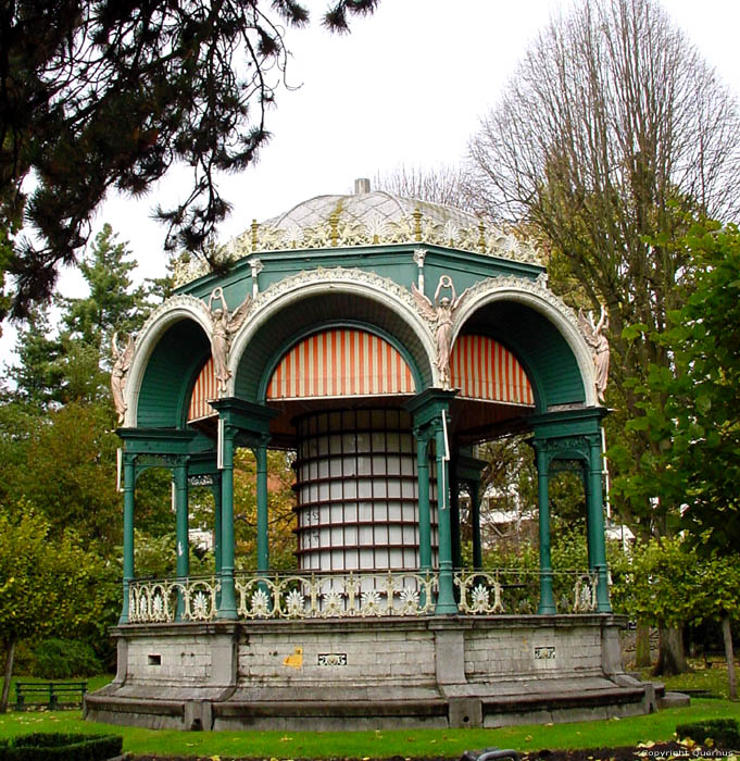 Kiosque dans Parc du Sitadel GAND photo
