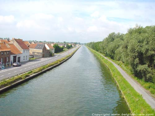 Canal Plassendale - Nieuwpoort GISTEL photo