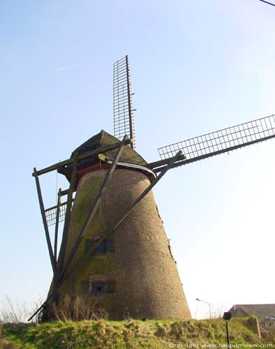 Guillotine mill OOSTERZELE picture