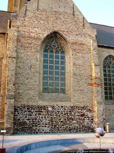 �glise abbatiale de Saint-Pierre LO-RENINGE photo