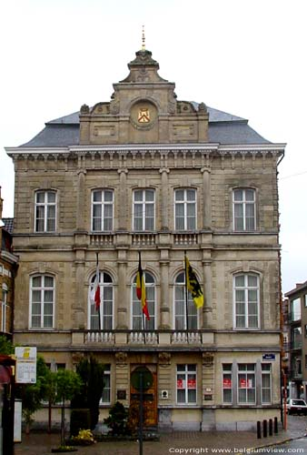 Hôtel de ville TIELT photo