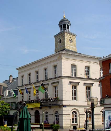 City Hall NINOVE picture