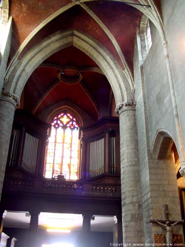 Eglise Saint Hermes et Crypte RENAIX photo