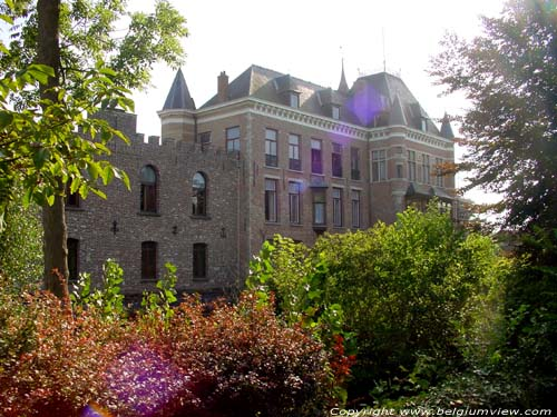 Chateau de Moerkerke DAMME photo