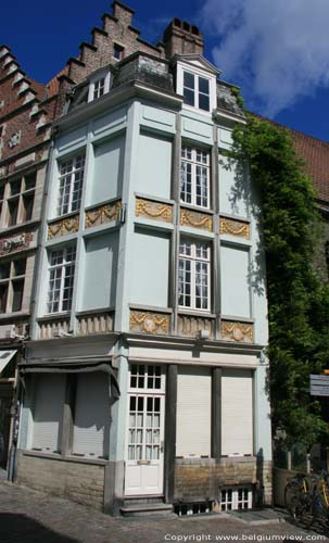Maison avec 2 medaillons GAND photo