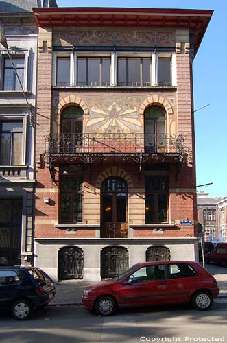 Gilt house CHARLEROI picture