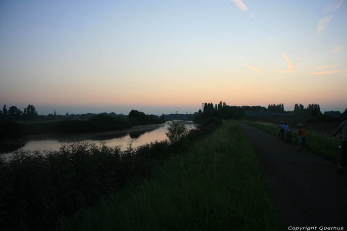 Sun Down in Gentbrugge on the Dike of the river Scheldt GHENT picture