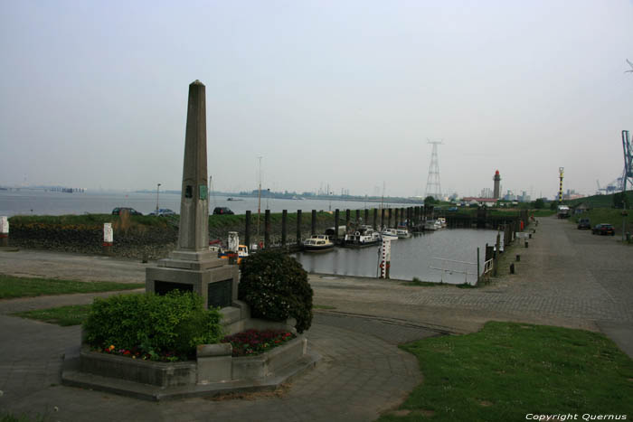 Monument Glory British Anti Aircraft and RAF along the Scheldt (Doelà KIELDRECHT / BEVEREN picture