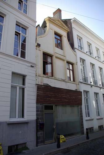 House in Gewad with ugly ground floor GHENT picture